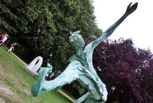 Kunstausstellung Skulpturen bei Rendsburg Carlshütte